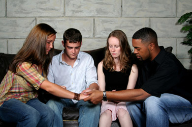 Group_prayer_nina_shannon_2